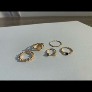 5 piece gold Brandy Melville ring set